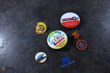изготовление значков с логотипом одесса